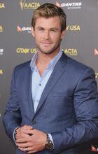 Chris Hemsworth mindig dögös a vörös szőnyegen