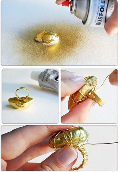A 7 legjobb csináld magad-ékszer - Kell egy kisebb kő, némi drót és egy gyűrűalap – majd az egészet fújd le arannyal...