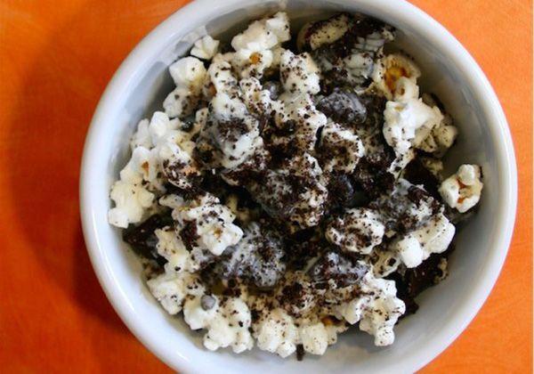 Így ízesítsd a popcornod! - Amerika szerelmeseinek: Cookies 'n' Cream Popcorn