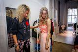 Iszak Eszti ruhapróbája a 2014-es VIVA Cometre