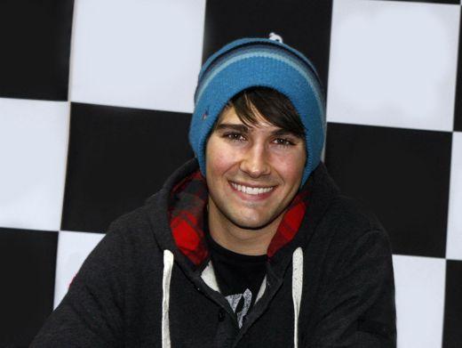 A legszexibb pasik a 2012-es Kid's Choice Awardsról - James Maslow-t is a Big Time Rushból ismerhetjük - ilyen mosollyal nehéz szó nélkül elmenni mellette!