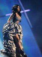 Nicki Minaj elképesztő ruhái az EMA színpadán