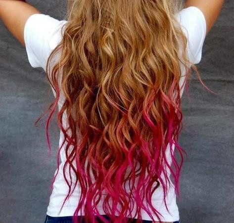 A 10 legjobb szivárvány-frizura, nem csak Halloweenra - Csak egy színre vágysz? Nem gond, megoldható.