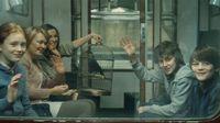 Harry Potter fia tegnap kezdte el a Roxfortot