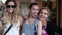 Miley és sógornője elválaszthatatlan
